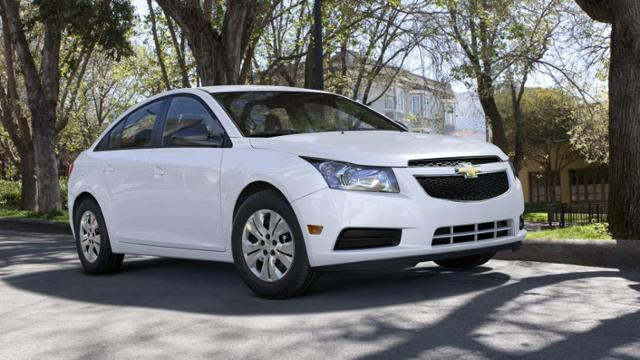 2013 Chevrolet Cruze Vehicle Photo In Aurora, MO 65605