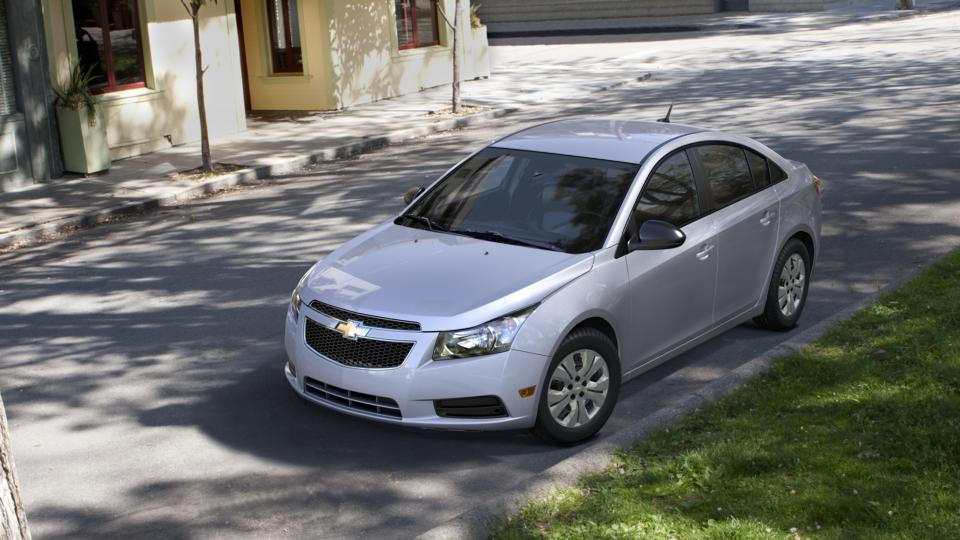 aurora silver ice metallic 2014 chevrolet cruze used car for sale l26936. Black Bedroom Furniture Sets. Home Design Ideas