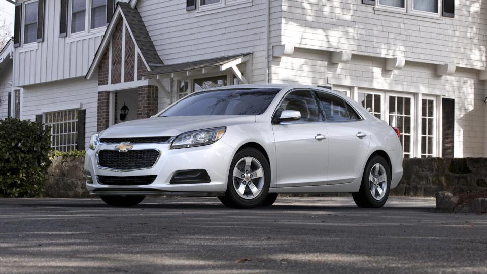 2015 Chevrolet Malibu Vehicle Photo in Burlington, WI 53105