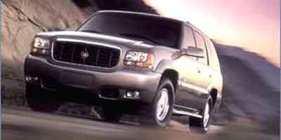 2000 Cadillac Escalade Vehicle Photo in Anaheim, CA 92806