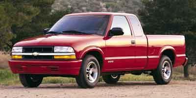 2002 Chevrolet S-10 Vehicle Photo in Menomonie, WI 54751