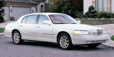 2003 LINCOLN Town Car Vehicle Photo in Colorado Springs, CO 80905