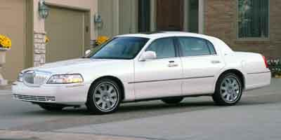 2004 LINCOLN Town Car Vehicle Photo in Joliet, IL 60435