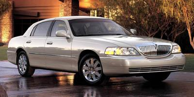 2005 LINCOLN Town Car Vehicle Photo in Colorado Springs, CO 80905
