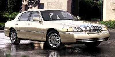 2009 LINCOLN Town Car Vehicle Photo in Maplewood, MN 55119