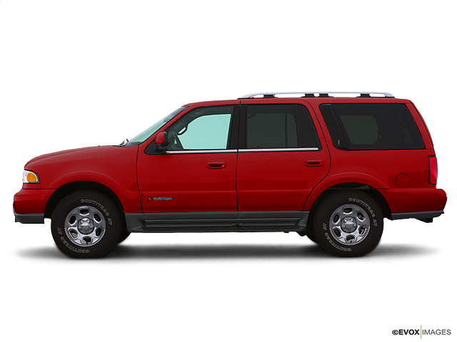 2000 LINCOLN Navigator Vehicle Photo in Burlington, WI 53105