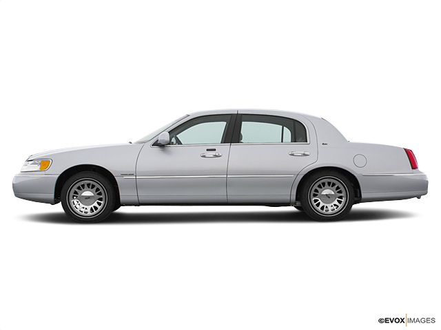 2000 LINCOLN Town Car Vehicle Photo in Joliet, IL 60435
