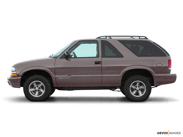 2000 Chevrolet Blazer Vehicle Photo in Doylestown, PA 18902