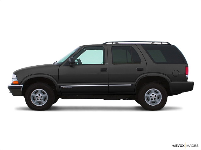 2001 Chevrolet Blazer Vehicle Photo in Peoria, IL 61615