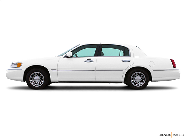 2002 LINCOLN Town Car Vehicle Photo in American Fork, UT 84003