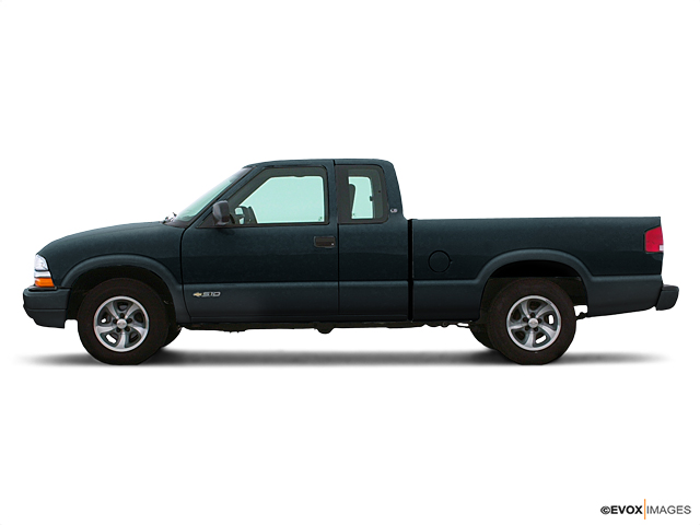 2003 Chevrolet S-10 Vehicle Photo in Mansfield, OH 44906