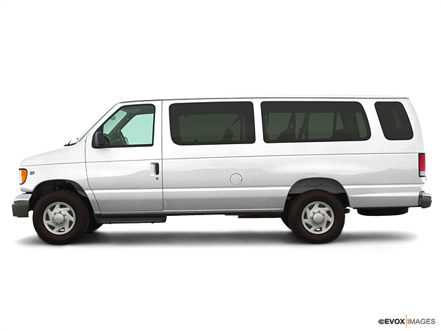 eee931b383 2003 Ford Econoline Wagon Vehicle Photo in Taylorville