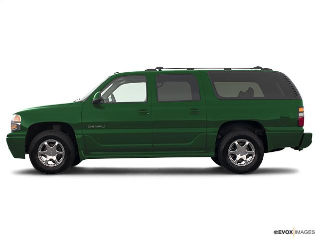 2004 GMC Yukon XL Denali Vehicle Photo in Mukwonago, WI 53149