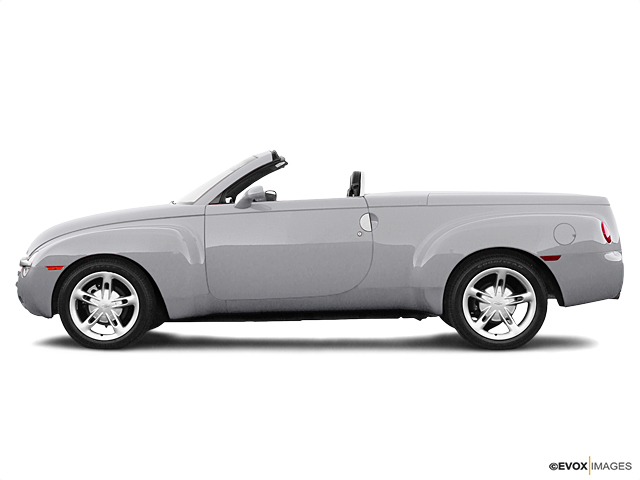 2004 Chevrolet SSR Vehicle Photo in Akron, OH 44320