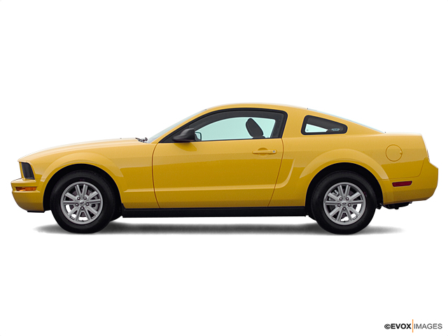 2005 Ford Mustang Vehicle Photo in Oakdale, CA 95361