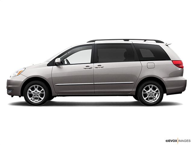 2005 Toyota Sienna Vehicle Photo in Houston, TX 77074