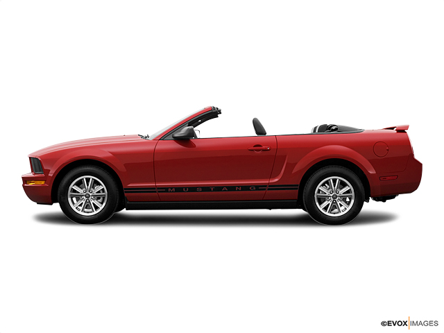 2005 Ford Mustang Vehicle Photo in Owensboro, KY 42303