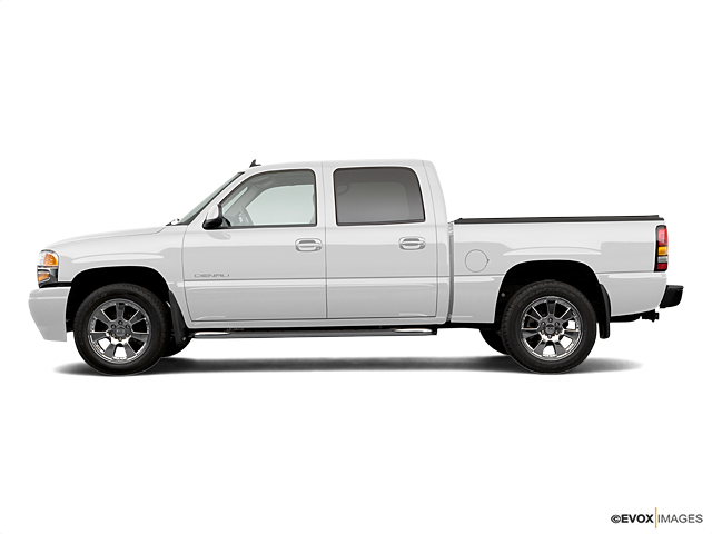 2006 GMC Sierra Denali Vehicle Photo in New Hampton, NY 10958