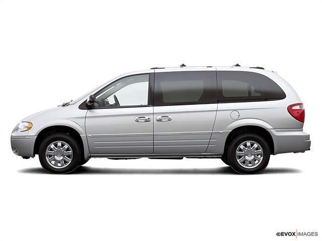 2006 Chrysler Town & Country LWB Vehicle Photo in Owensboro, KY 42303