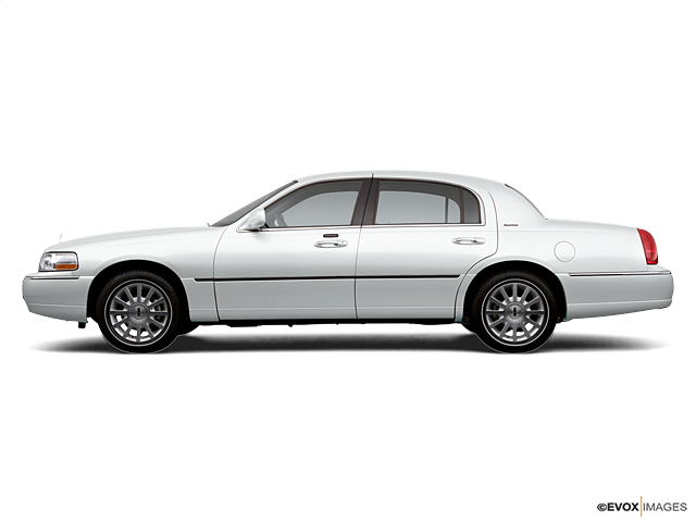 2006 Lincoln Town Car Signature Limited Sedan In White Available In