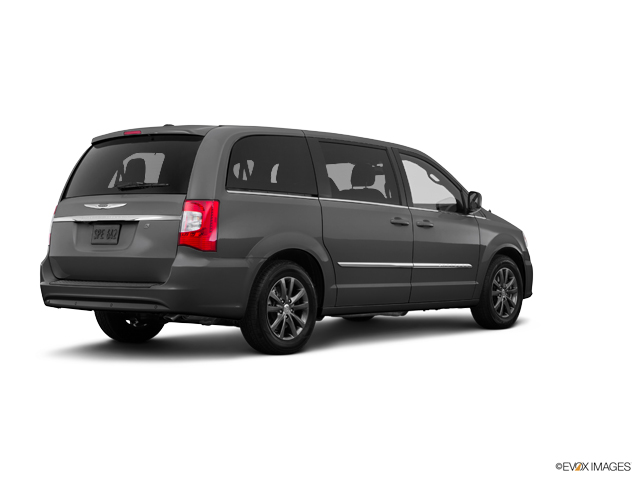 2016 Chrysler Town Country Vehicle Photo In Pontiac Il 61764