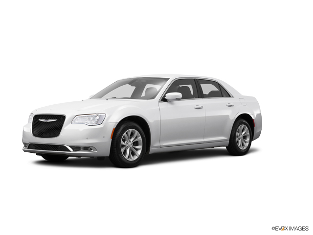 2015 Chrysler 300 Vehicle Photo in Independence, MO 64055