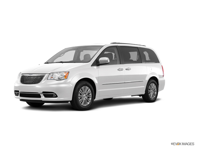 2016 Chrysler Town & Country Vehicle Photo in Clarksville, MD 21029