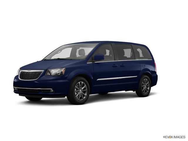 2016 Chrysler Town Country Vehicle Photo In Coopersville Mi 49404