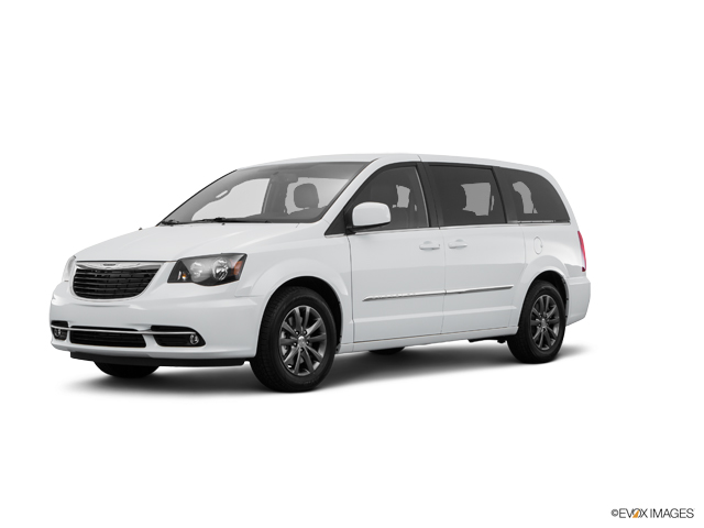 2016 Chrysler Town & Country Vehicle Photo in San Angelo, TX 76903