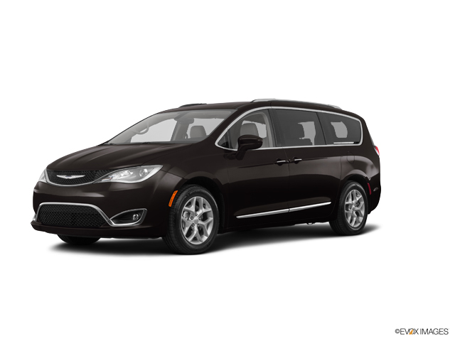 2017 Chrysler Pacifica Vehicle Photo in Bend, OR 97701