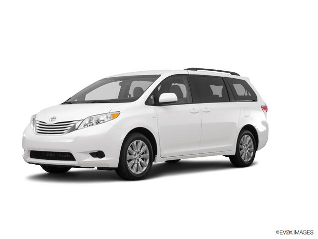 2017 Toyota Sienna Vehicle Photo in Decatur, IL 62526