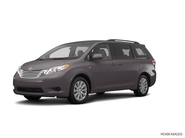 2017 Toyota Sienna Vehicle Photo in Athens, GA 30606