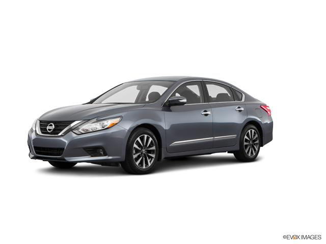 2017 Nissan Altima Vehicle Photo in Highland, IN 46322