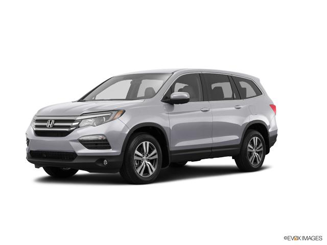 2017 Honda Pilot Vehicle Photo in Independence, MO 64055
