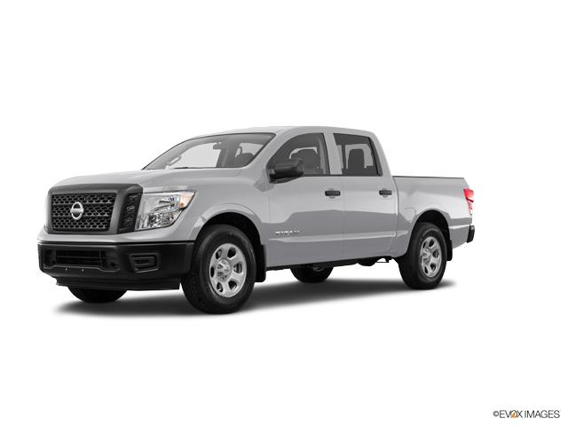 2017 Nissan Titan Vehicle Photo in Merriam, KS 66203