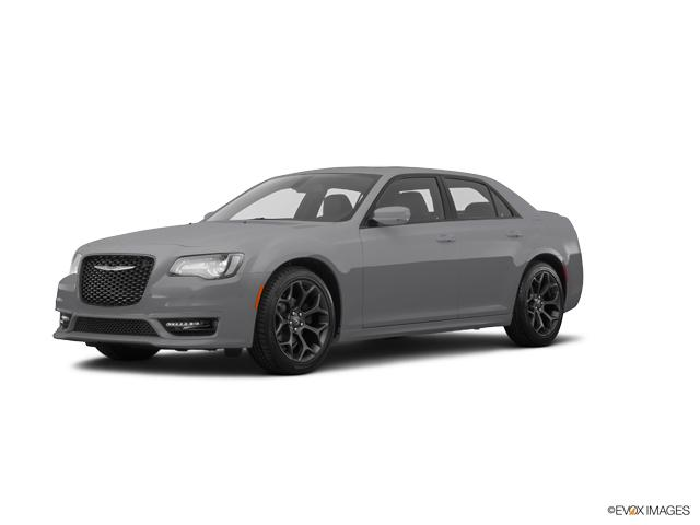 2017 Chrysler 300 Vehicle Photo in Knoxville, TN 37912