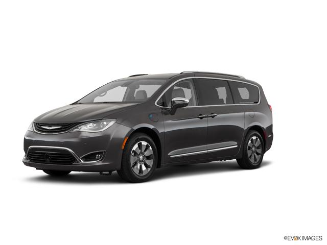 2018 Chrysler Pacifica Vehicle Photo in Kaukauna, WI 54130