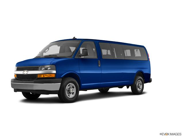 2018 Chevrolet Express Passenger Vehicle Photo in Terryville, CT 06786