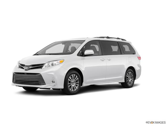 2018 Toyota Sienna Vehicle Photo in Modesto, CA 95356