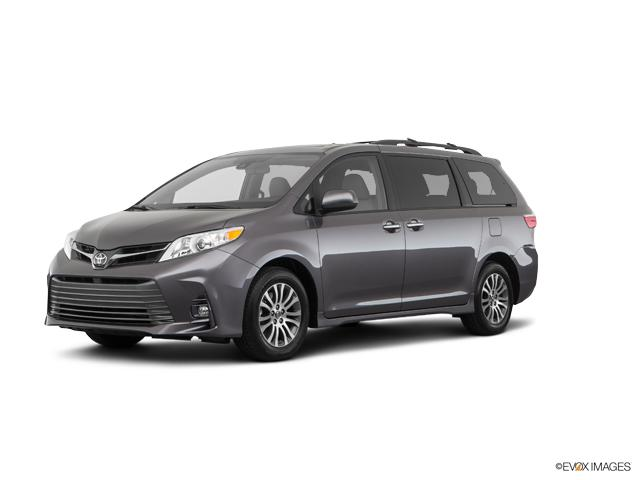 2018 Toyota Sienna Vehicle Photo In Route 15 Lewisburg Pa 17837