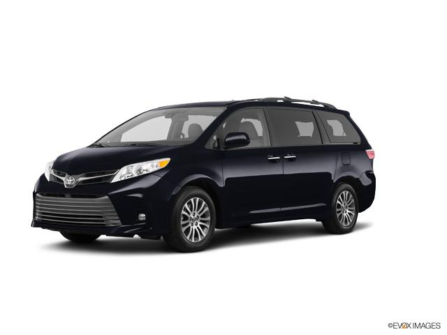 2018 Toyota Sienna Vehicle Photo In Fishers 46038