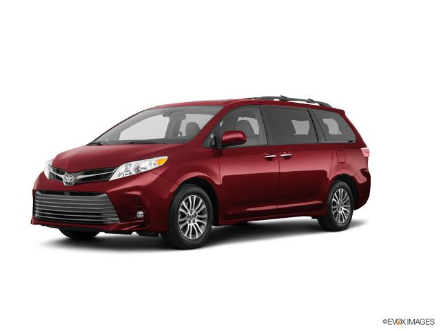 2018 Toyota Sienna Vehicle Photo in Oshkosh, WI 54904