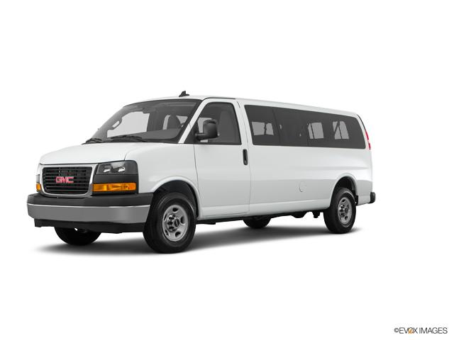 2018 GMC Savana Passenger Vehicle Photo in Westland, MI 48185