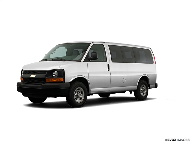 2007 Chevrolet Express Penger Vehicle Photo In Cambridge Oh 43725