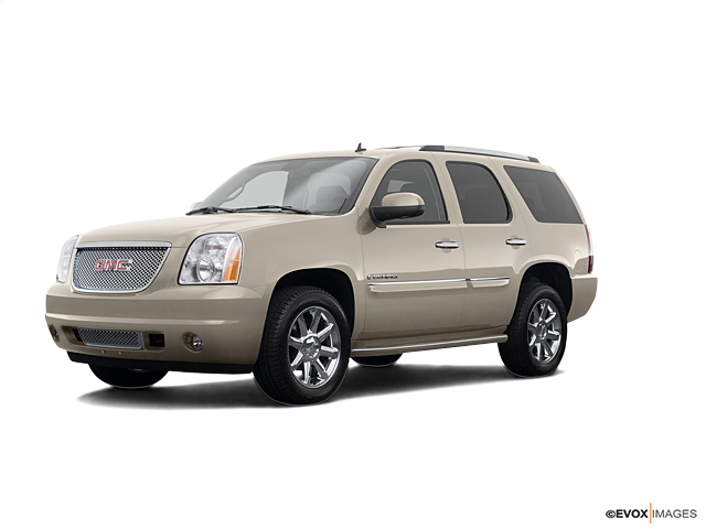 2008 GMC Yukon Denali Vehicle Photo in Fishers, IN 46038