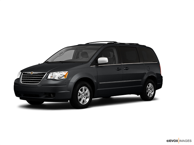 2010 Chrysler Town & Country Vehicle Photo in Farmville, VA 23901
