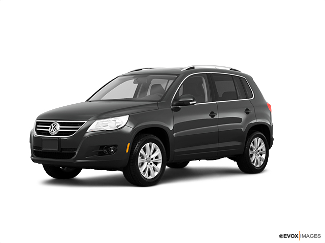 2010 Volkswagen Tiguan Vehicle Photo in Pittsburgh, PA 15226