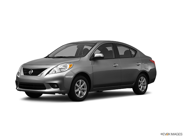 Nissan Versa 1-6 S