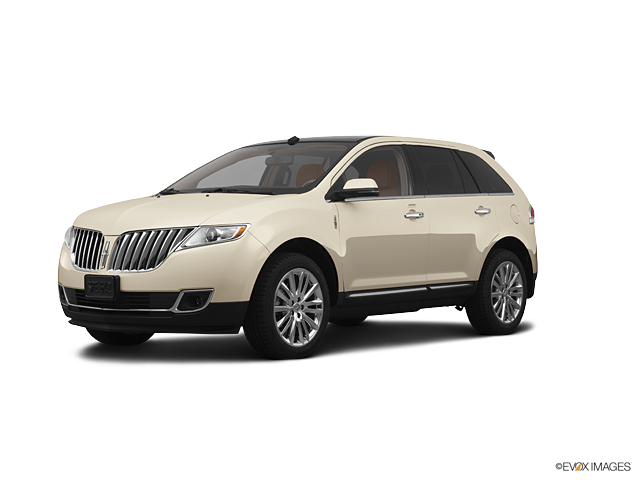 2013 LINCOLN MKX Vehicle Photo in Neenah, WI 54956