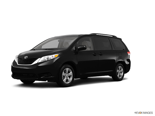 2013 Toyota Sienna Vehicle Photo in Highland, IN 46322